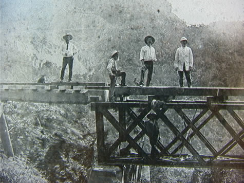 men_on_rail_bridge.jpg