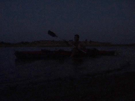 kayak_dark_Raw.jpg